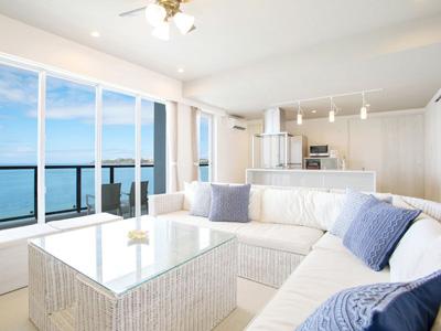 公式HPがお得!沖縄人気エリアの青い海を一人占め!広々ベッド&ジャグジー付きスイートルームプラン(素泊まり)